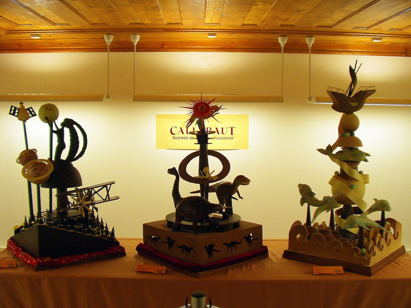 fantastic chocolate art 05 Yummy and Fantastic Chocolate in Art & Sculptures