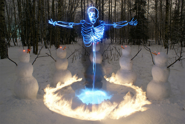 light paintings 011 Awesome Light Painting Skeletons by Janne Parviainen