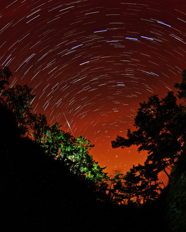 star trails wdm 005 Amazing Photography Shots Capturing Star Trails