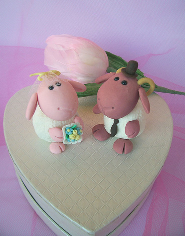 gorgeous cake toppers 19 Gorgeously Designed Cake Toppers