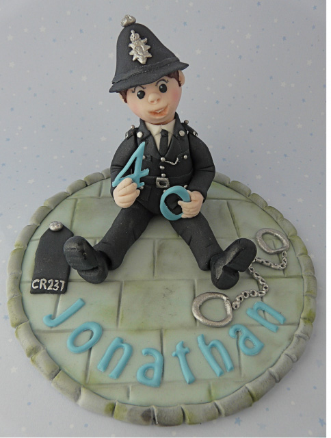 gorgeous cake toppers 20 Gorgeously Designed Cake Toppers
