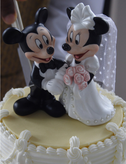 gorgeous cake toppers 24 Gorgeously Designed Cake Toppers