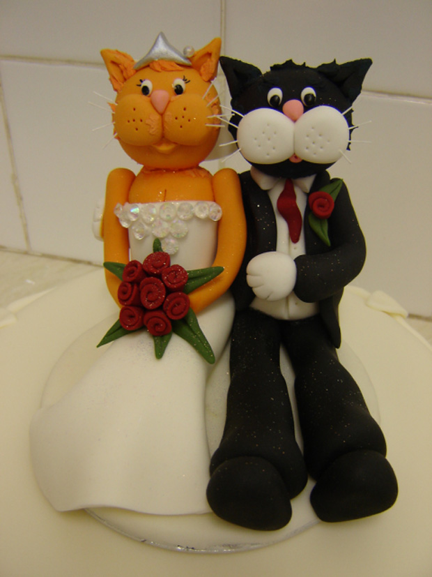 gorgeous cake toppers 27 Gorgeously Designed Cake Toppers