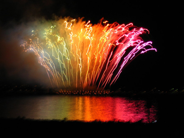 stunning fireworks 10 Spectacular Fireworks Photography